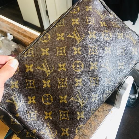 Authentic Louis Vuitton Trousse 28